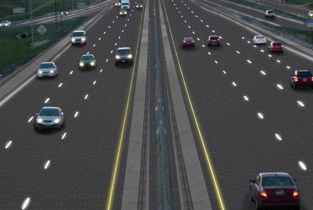 estrada sustentável com painéis solares